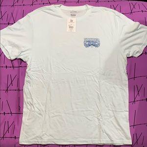 TAGS STILL ON - Billabong T shirt